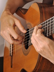 electric & acoustic guitar lessons